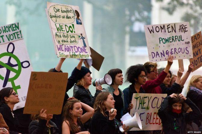 Sisters Uncut: repensando el sufragismo inglés y la acción directa.